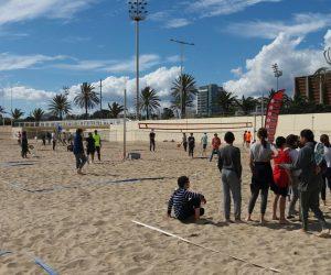100 escolars de Barcelona han conegut el Tennis Platja