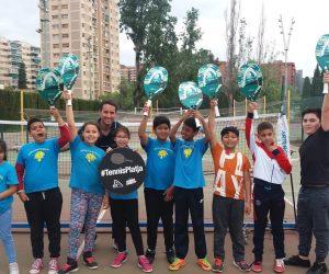 50 escolars de Barcelona han conegut el Tennis Platja