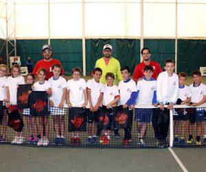 Una vintena de tennistes benjamins a la trobada RDS de la Caparrella